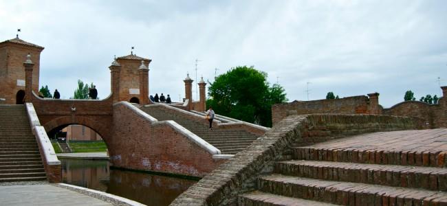 Comacchio: una piccola Venezia nel Parco del Delta