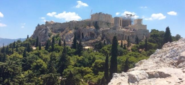 Una cicala di troppo: il giallo di 4 archeologhe in viaggio per la Grecia!