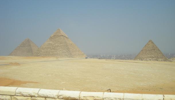 piramidi e il cairo
