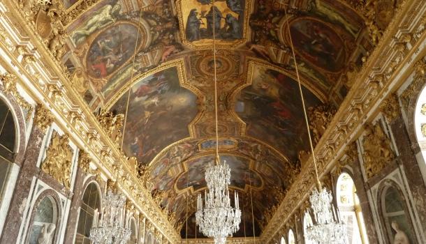 salone degli specchi a Versailles_parigi