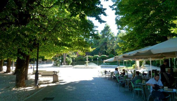 Viali dei giardini pubblici di Villa Comunale a Chieti