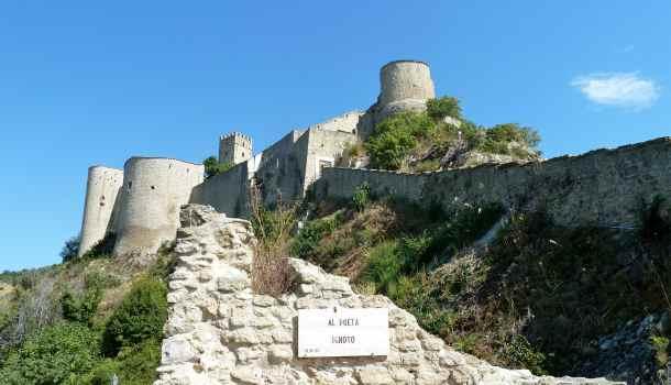 Castello di Roccascalegna in Abruzzo