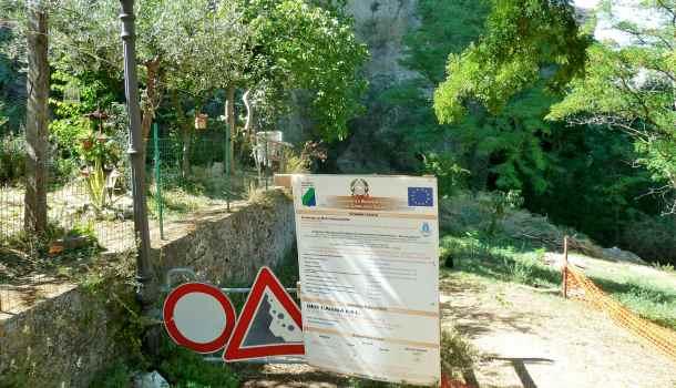 Roccascalegna: itinerario panoramico interrotto per frane