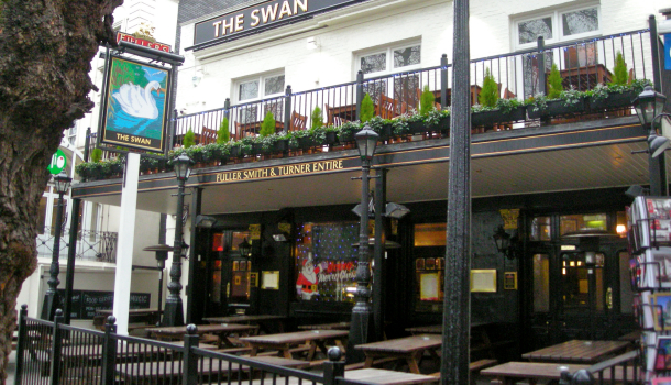 the swan a Londra