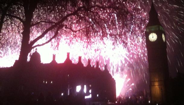 fuochi d'artificio per capodanno al Big Ben