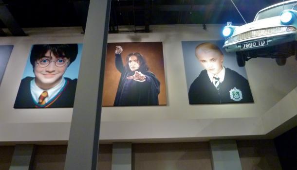 Harry Potter poster e Ford Anglia - WB Studio Tour London