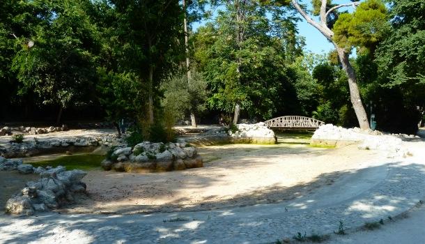 Lago in secca ai Giardini Nazionali Atene