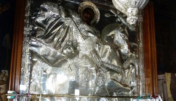 pala in argento con San Girogio e il drago