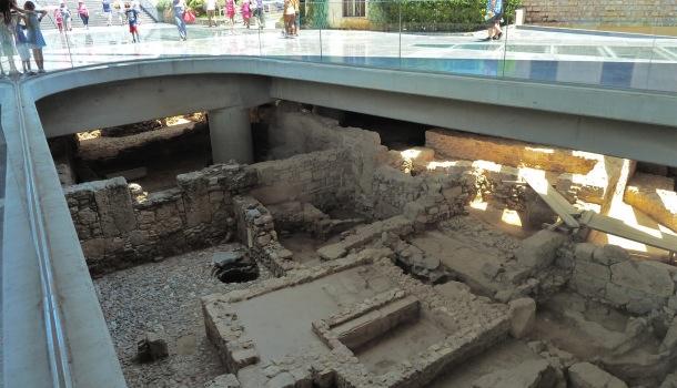 scavi sotto il nuovo museo dell'acropoli