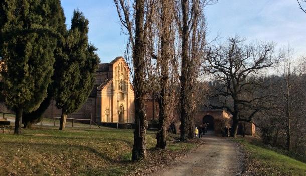 abbazia di vezzolano e sentiero