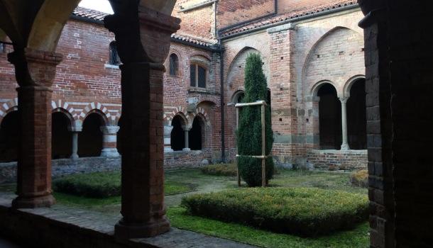chiostro abbazia di vezzolano