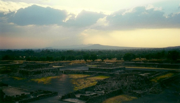 tramonto a teotihuacan