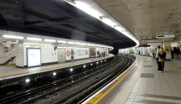 stazione metropolitana di londra