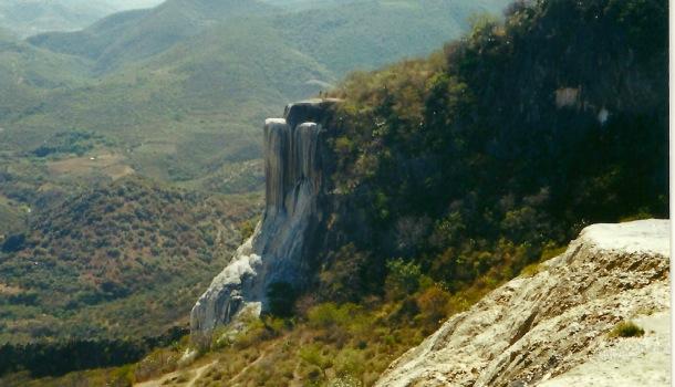 cascata di pietra a hierve el agua