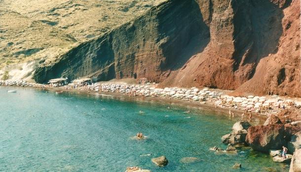 red beach a santorini