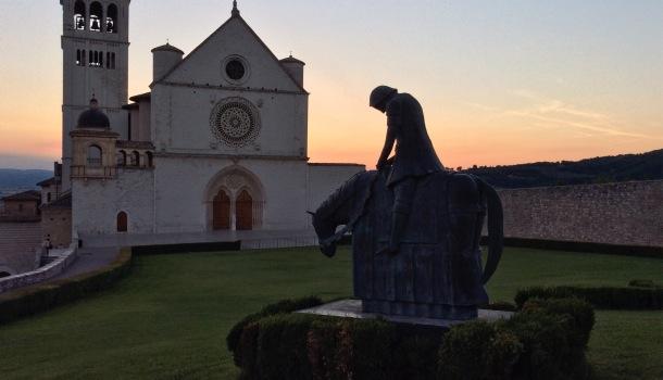assisi e tramonto basilica
