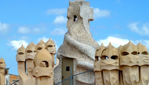 decorazioni tetto casa milà