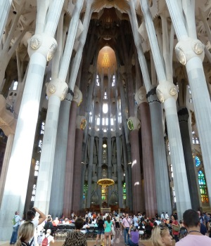 interno sagrada familia 1