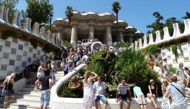 turisti a park guell