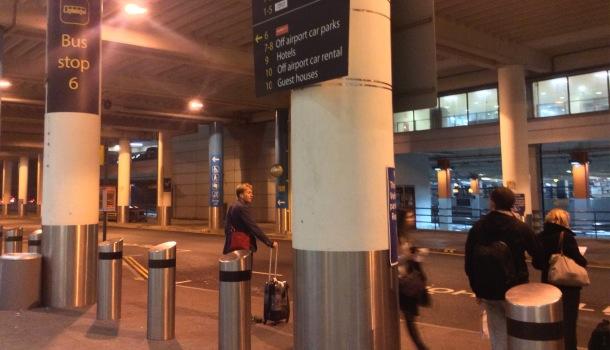 stazione bus a gatwick airport