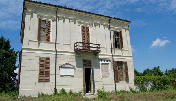 Villa di Cavour a Leri