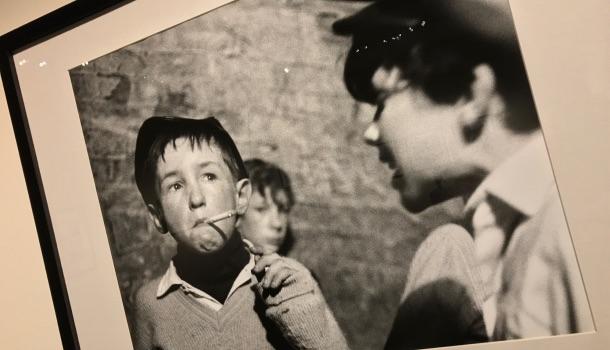 ragazzo che fuma a liverpool