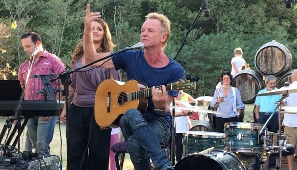 sting invita il pubblico a cantare