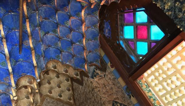vetri colorati di casa vicens