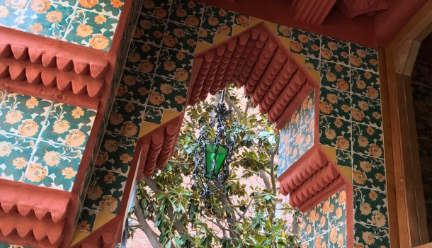 stile arabo e gotico di casa Vicens