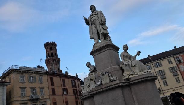 statua di camillo benso conte di cavour