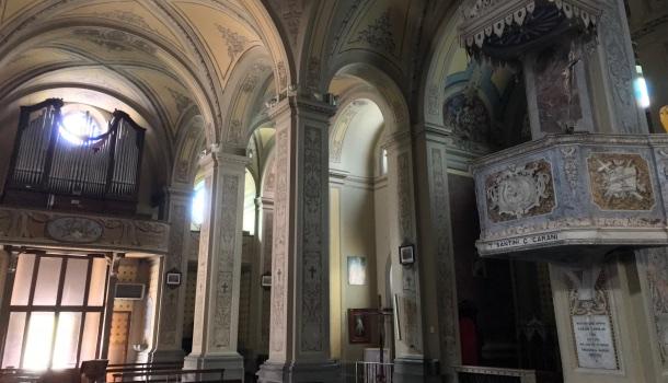 interno di santa maria assunta