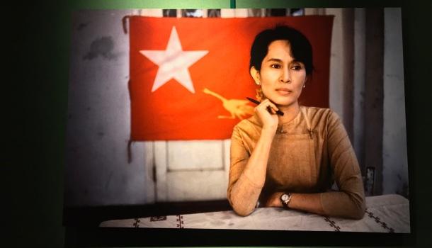 steve mccurry, rangoon, burma, 1995
