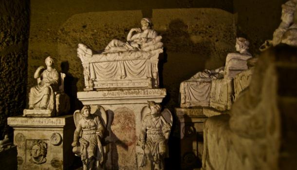 tomba di arunte e dei famigliari