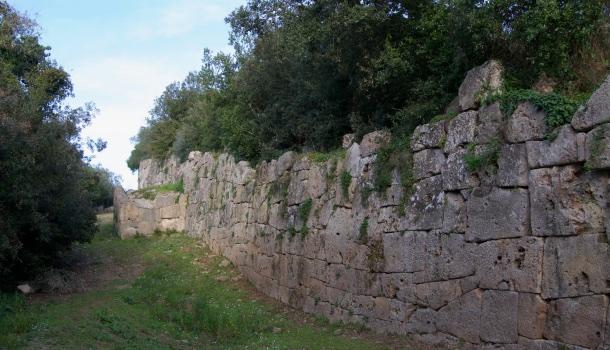 mura poligonali di cosa