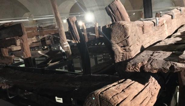 albero del barcone d nel museo navi antiche di pisa