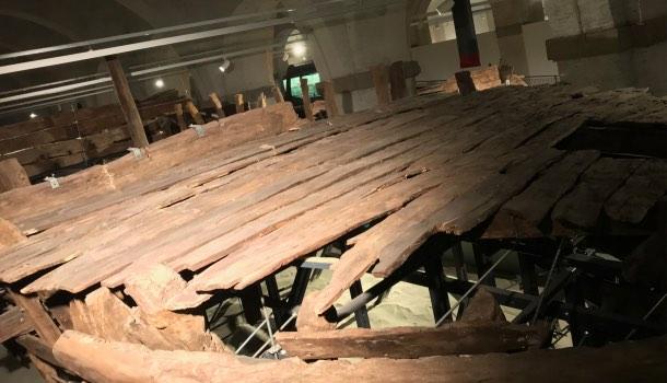 ponte del barcone d nel museo navi antiche di pisa