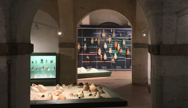 sala anfore museo navi antiche di pisa
